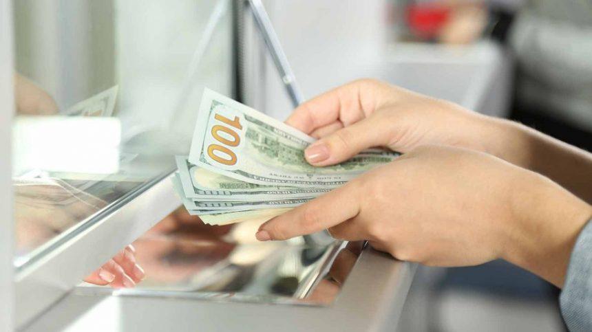 Cursul valutar leu-euro, la cel mai ridicat nivel