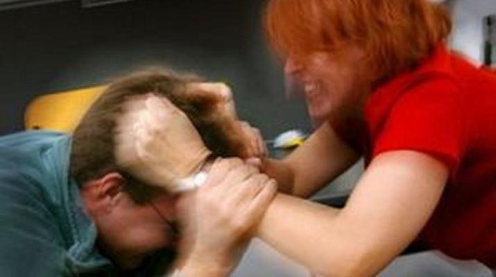 Vâlcean bătut de nevastă. A reclamat-o la Poliție