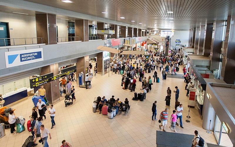 Cursele de pe Aeroporturile Otopeni, întârzieri de 30-40 de minute