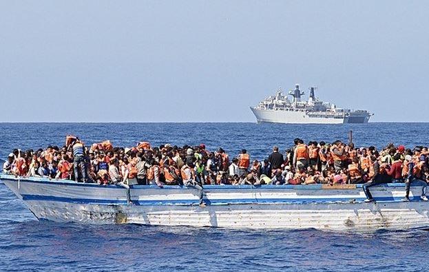România se oferă să primească imigranţi blocaţi în navele din Marea Mediterană
