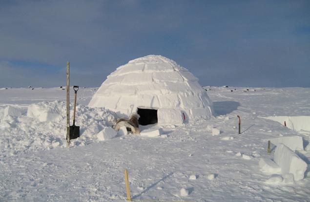 Staţiunea Parâng. Tabără de construit iglu-uri, la sfârşitul  săptămânii