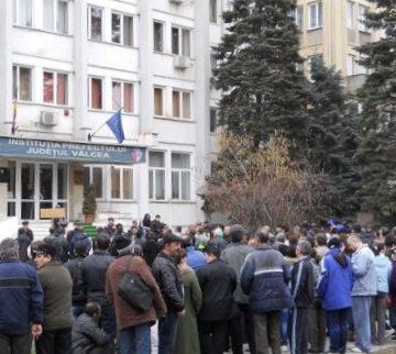 Protest aprobat de Primărie în fața Prefecturii Vâlcea