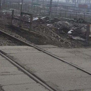 O mie de semnături pentru montarea unei bariere la calea ferată