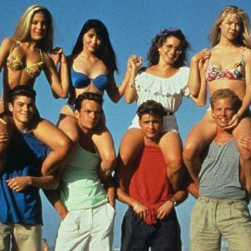 """""""Beverly Hills, 90210"""" revine pe micile ecrane cu mulţi actori din distribuţia originală"""