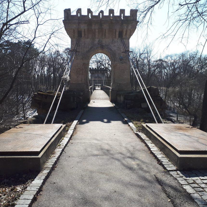 Podul Suspendat intră în refacere