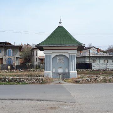Sărăcia, combătută cu reabilitarea unor străzi şi a Fântânii Popova