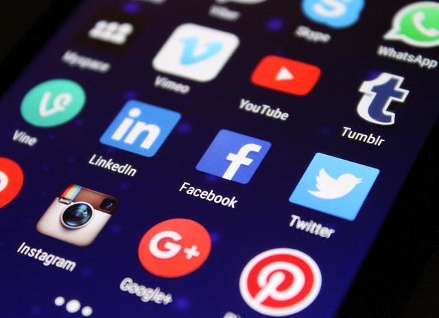 Reţelele sociale au fost oprite parţial pentru mai multe ore