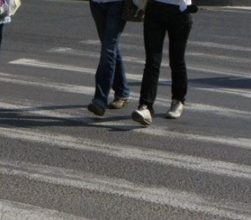 Poliţiştii de la Rutieră: La orice traversare, opriţi-vă în afara părţii carosabile