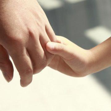 Gorj. 50 de asistenţi maternali, angajaţi în următorii ani