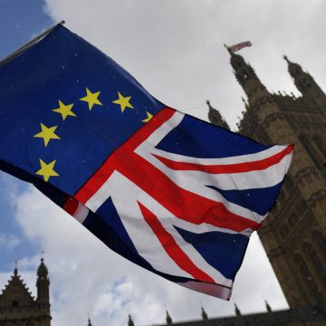 Criza din Marea Britanie a scos în stradă sute de mii de oameni