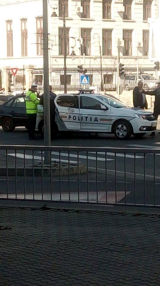Accident cu maşina de Poliţie, în centrul Craiovei