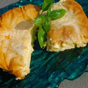 Plăcinte cu grăsimi hidrogenate, nu cu brânză, la şcolile din Craiova