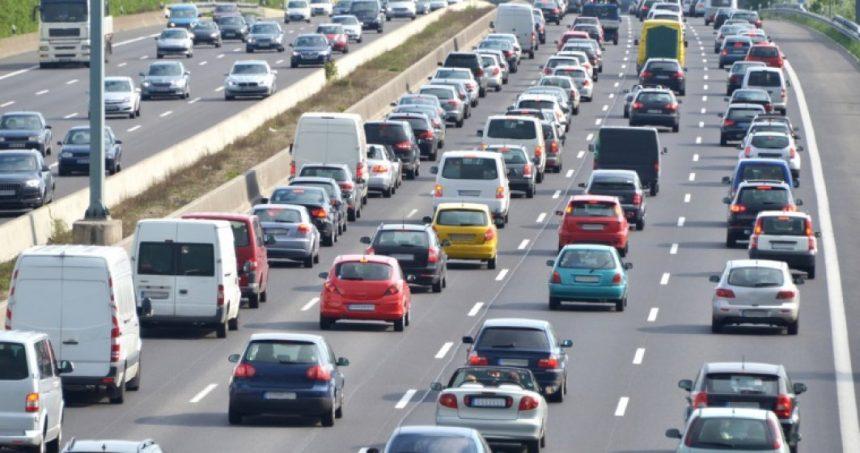 Statul renunță la taxa auto în 2020