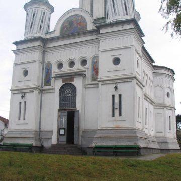 Mehedinți: Încă două biserici din Severin, iluminate artistic pe timp de noapte