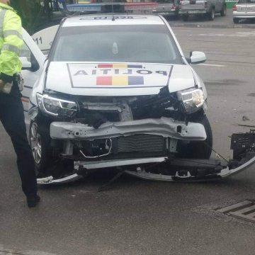 Masina de Politie facuta praf, intr-un accident