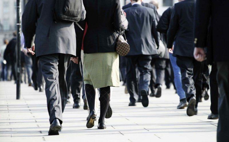 Sondaj INSCOP: Peste trei sferturi dintre români cred că ţara se îndreaptă într-o direcţie greşită