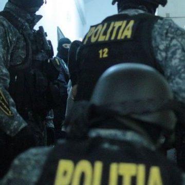 Gorj. Reținuți de polițiști după ce s-au luat la bătăie într-un bar