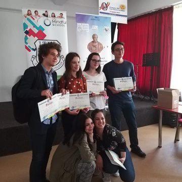 """Faza județeană a Olimpiadei naționale de Argumentare, Dezbatere și Gândire critică """"Tinerii Dezbat"""", la Liceul Teoretic Henri Coandă din Craiova"""