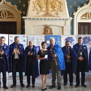 Aur şi lauri pentru cercetarea ştiinţifică din Centrul universitar craiovean