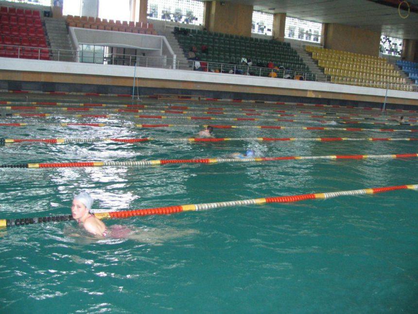 Mehedinți: Se reface și extinde Bazinul de Înot din Severin