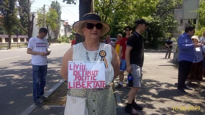 Miting pro Dragnea şi anti Iohannis la Cotroceni
