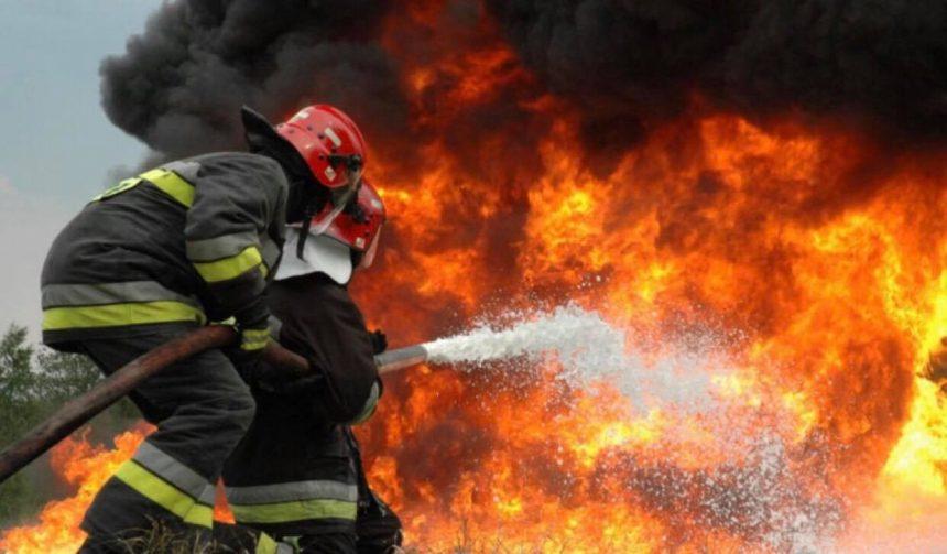 Pompierul ars în incendiu la Mehedinţi a depăşit perioada critică