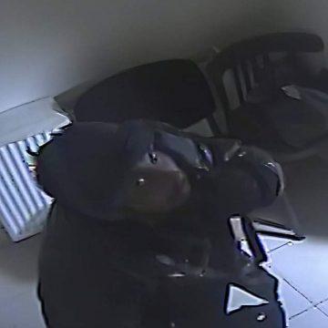 """VIDEO/ """"Spărgătorul"""" de la Moţăţei a fost prins"""