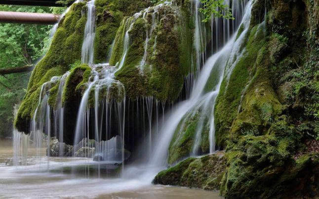 Cascada Bigăr, cea mai căutată pe timpul verii