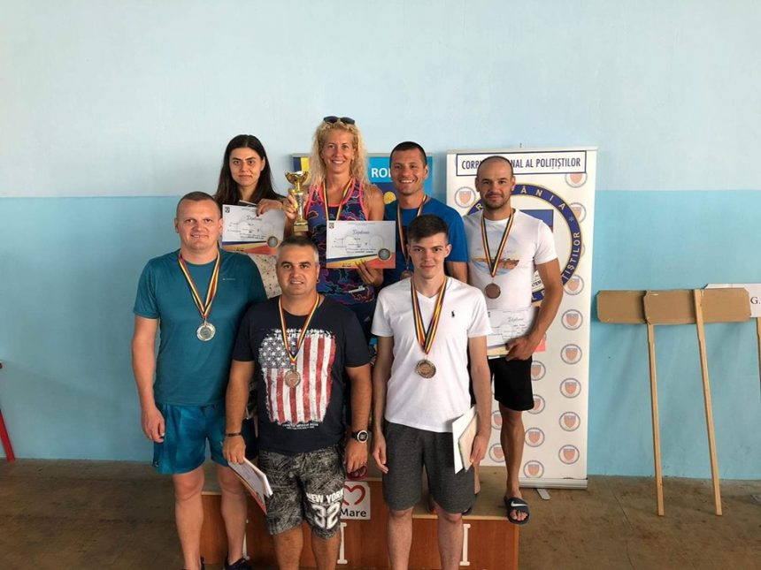 Maiorii Lavinia Brebu şi Adrian Bratu, pe podium la Campionatul de Înot