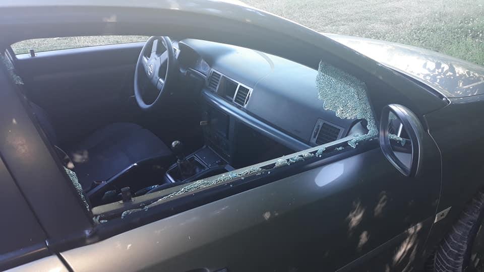 Maşini sparte de hoţi, la Jiu