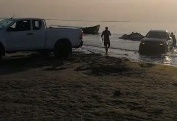 SUV blocat în Marea Neagră