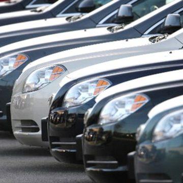 Adolescenţi acuzaţi de furturi din autoturisme