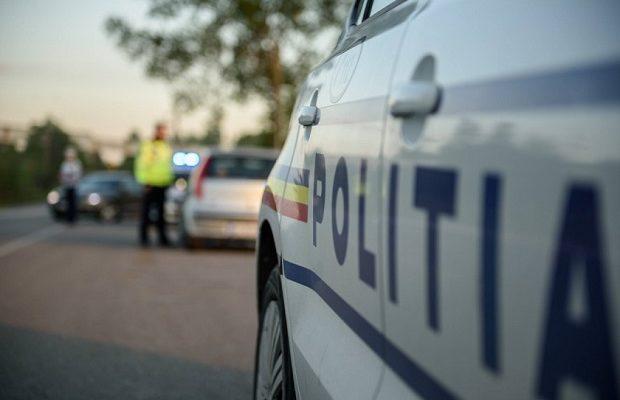 Accident la ieșirea din Balș. Traficul este blocat