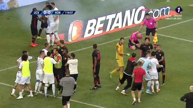 Verdict drastic de la UEFA! Cum rezolvă oltenii problema stadionului gol!