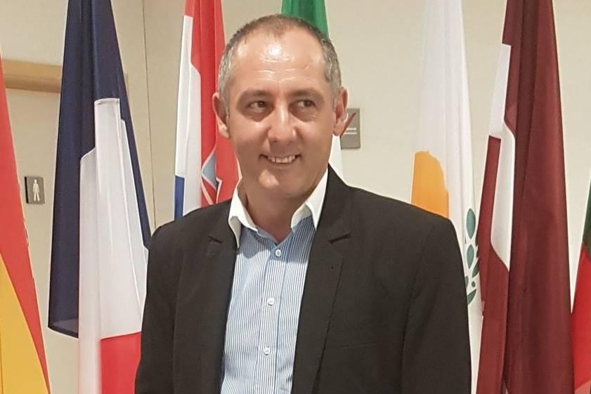 """Primarul comunei Peştişani, mesaj jignitor pentru românii din diaspora: """"Gunoaie, slugi occidentale"""""""