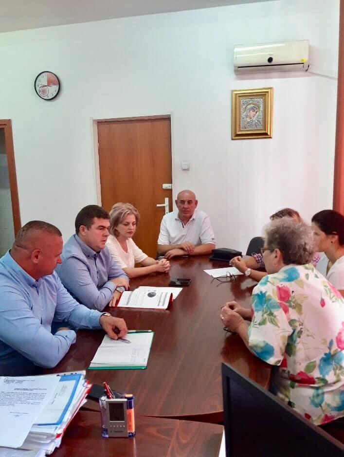 """Aladin Georgescu vrea """"responsabilitate în tratarea problemelor administrative în Spitalul Județean de Urgență"""""""