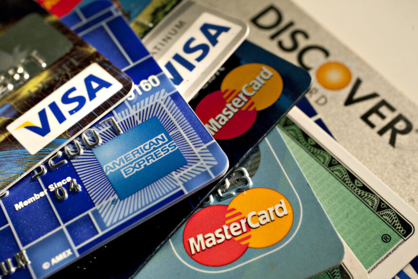 Noi reguli la plata cu cardul, aplicate de sâmbătă