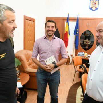 Mehedinți: Prefectul, vizitat de principele Nicolae și Alin Ușeriu