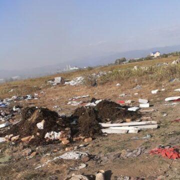 Bărbat amendat cu 1.000 de lei după ce și-a aruncat gunoiul lângă container