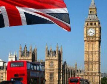 Studenţii străini vor putea rămâne până la doi ani după finalizarea studiilor în Marea Britanie