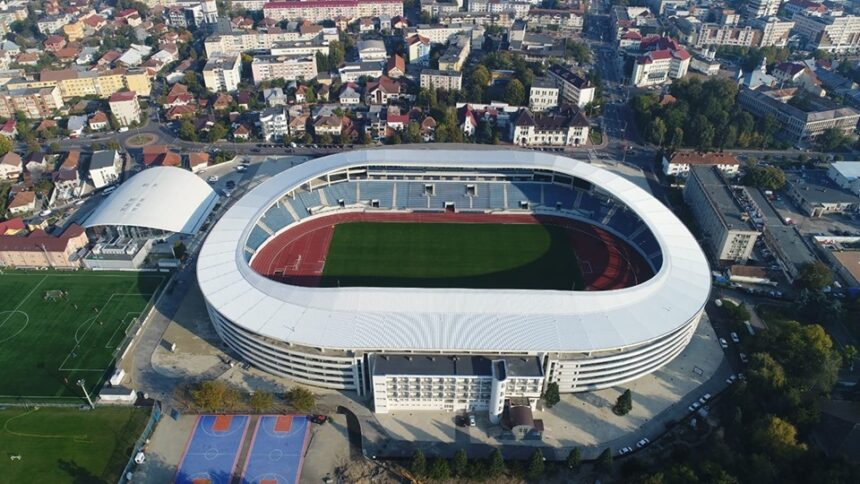 Inaugurarea stadionului din Târgu Jiu, cu cel puțin 1.000 de copii în tribune
