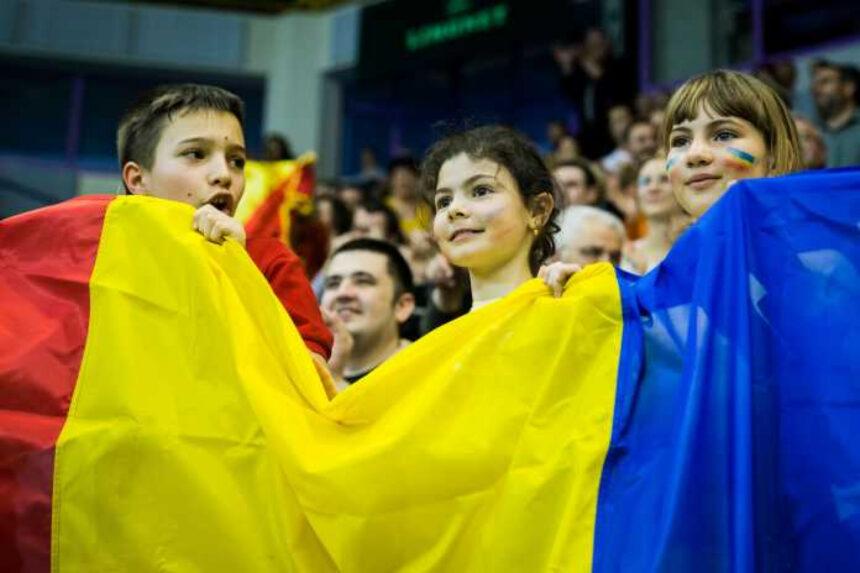 90 de copii din Râmnicu Vâlcea îi vor face galerie României