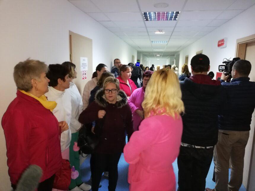 Scandal în spital: Vrem vouchere