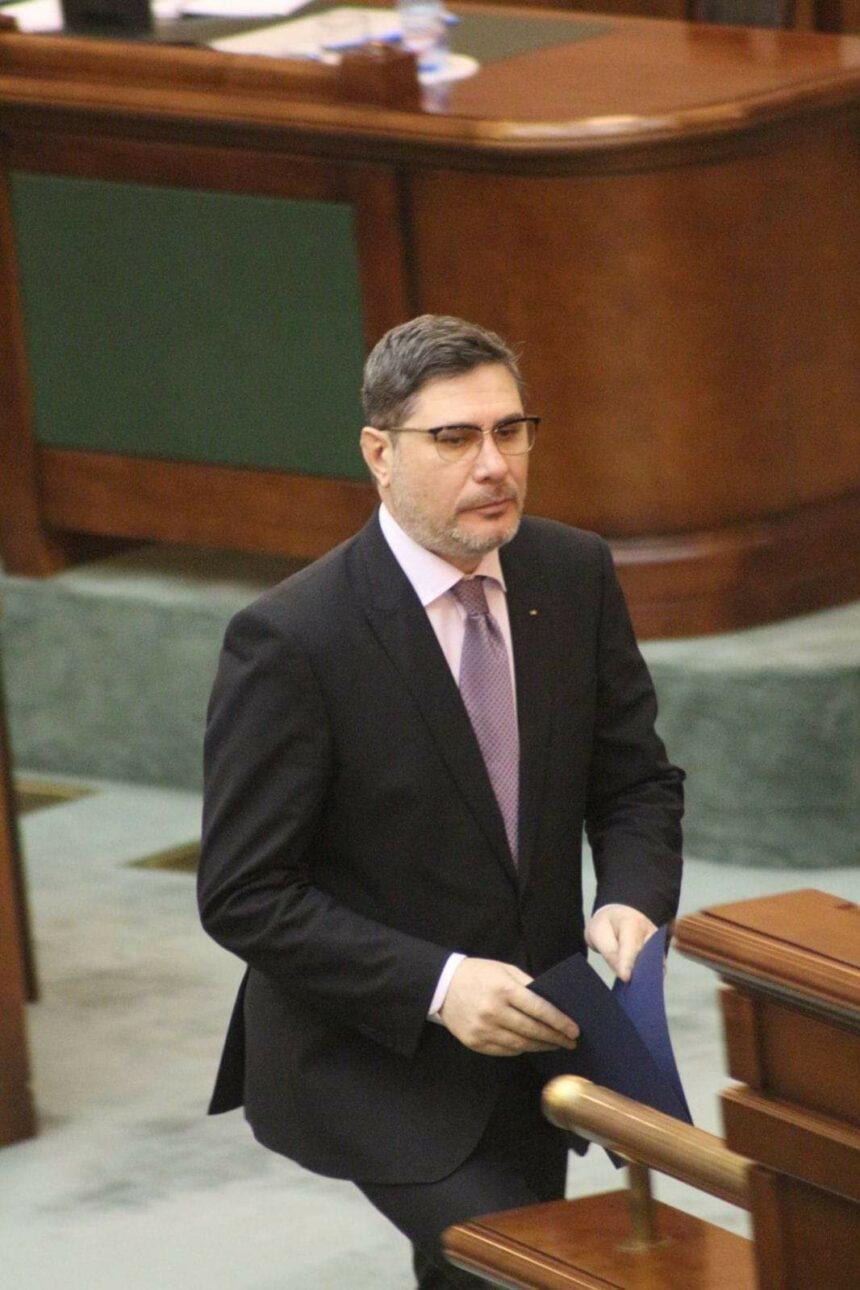 Mario Oprea, secretar al Senatului