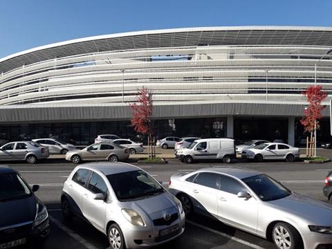 Parcarea stadionului Târgu Jiu a fost deschisă pentru cetățeni