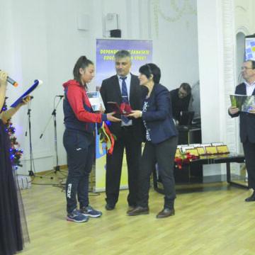 Mehedințiul își premieză laureații