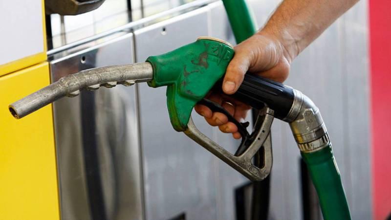 Eliminarea supraacizei la carburanți, vot pozitiv în Camera Deputaților
