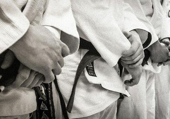 Lecţii de jiu-jitsu, în schimbul unor donaţiipentru cei mai puţin norocoşi