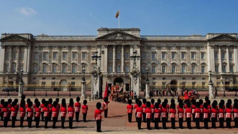 Președintele Iohannis, primit de Regina Marii Britanii la Palatul Buckingham