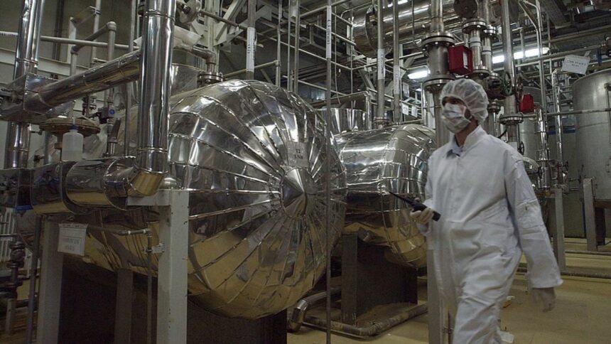 Israelul avertizează: Iranul ar putea avea bombă nucleară până la sfârșitul anului